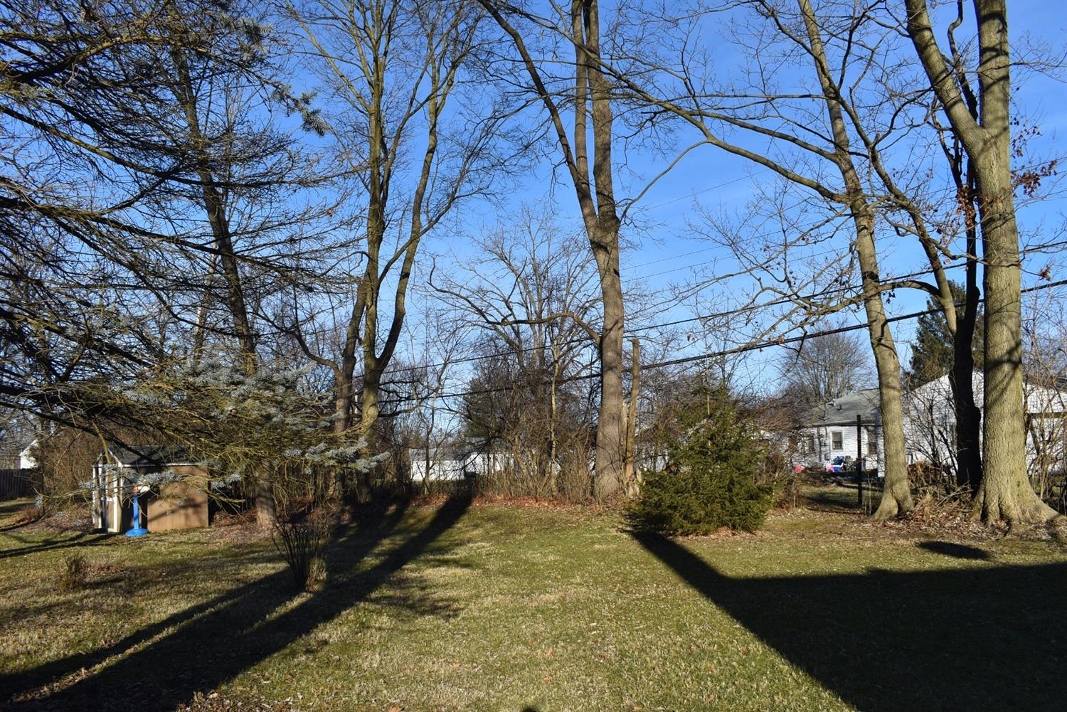 Photo 2 for 577 Raleigh Place Wilmington, OH 45177