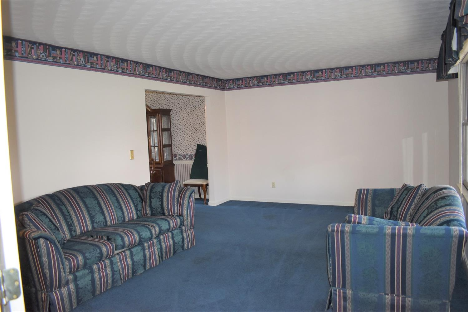 Photo 3 for 577 Raleigh Place Wilmington, OH 45177