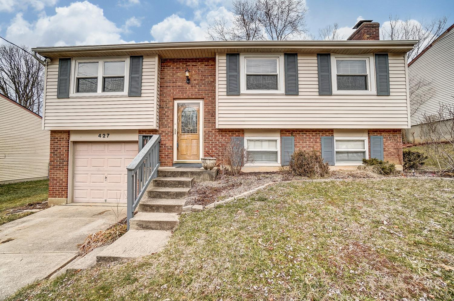 427 Westgate Dr Cleves, OH