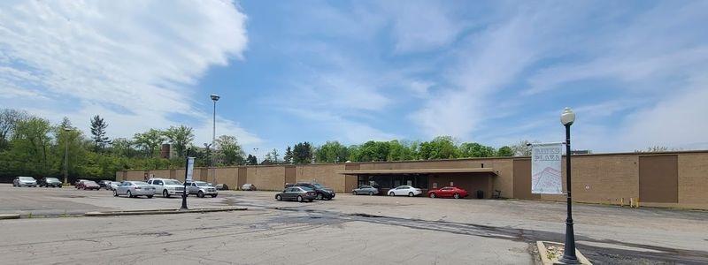 Photo 3 for 9651 Hamilton Avenue Springfield Twp., OH 45231
