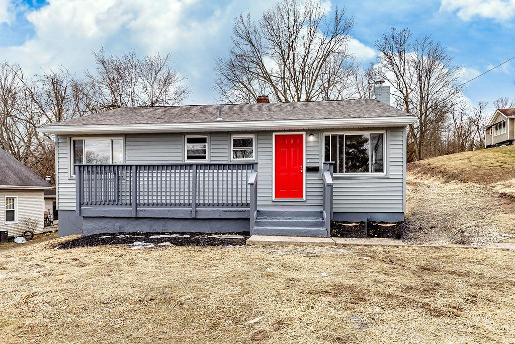 263 Riddle Rd Woodlawn, OH
