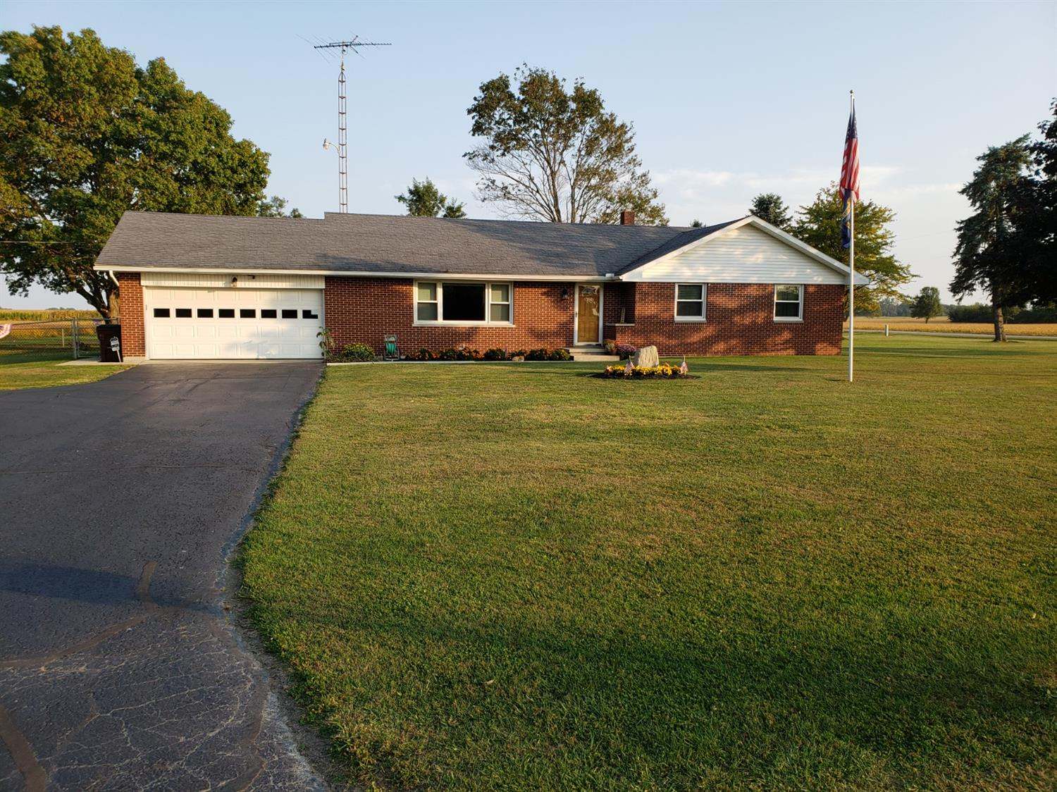 1049 Darbyshire Road Richland Twp, OH