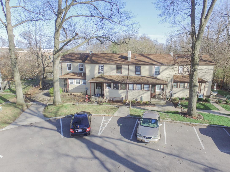 13 19 Foxworth Greenhills, OH