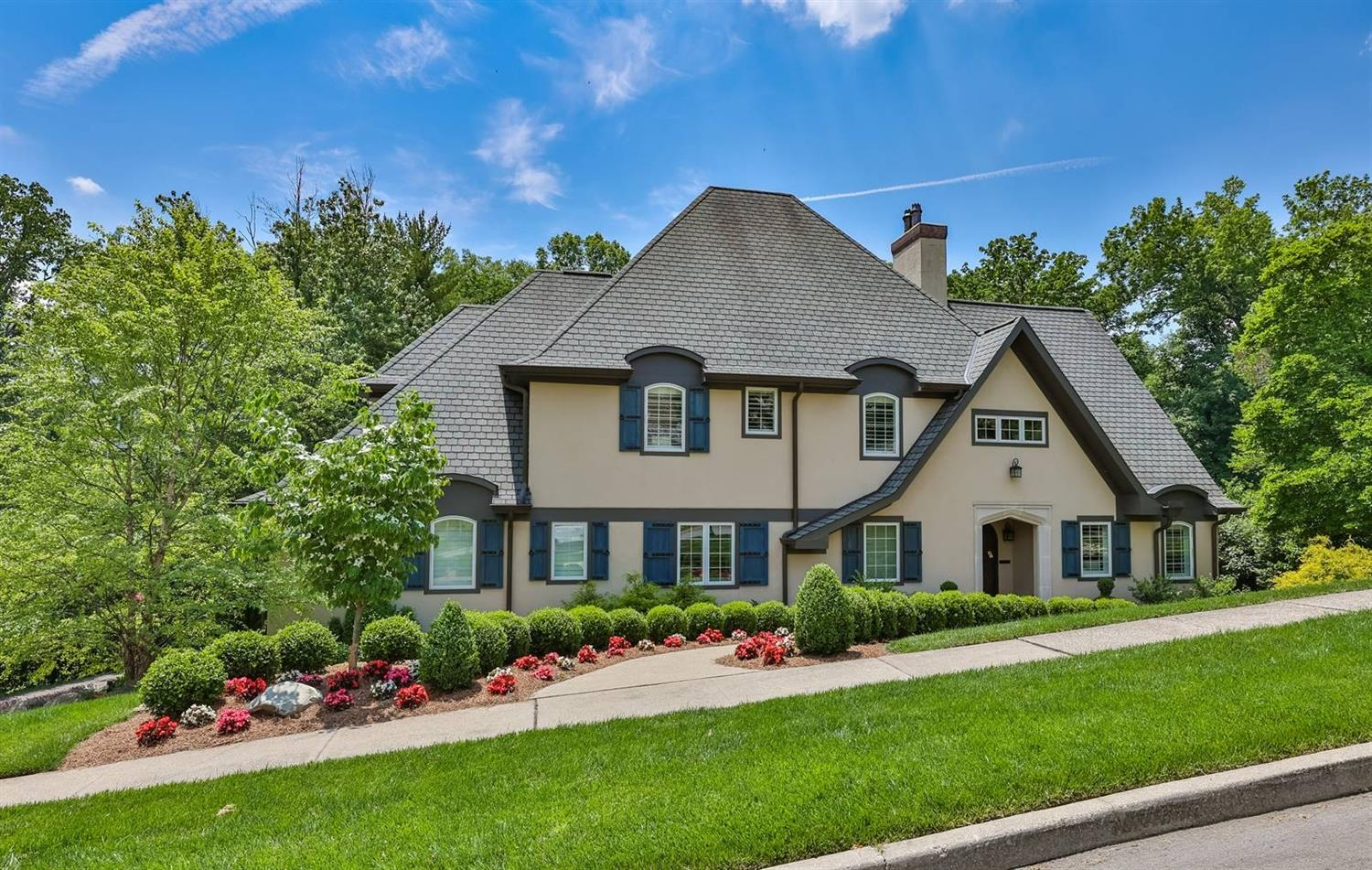 2545 S Rookwood Drive Hyde Park, OH