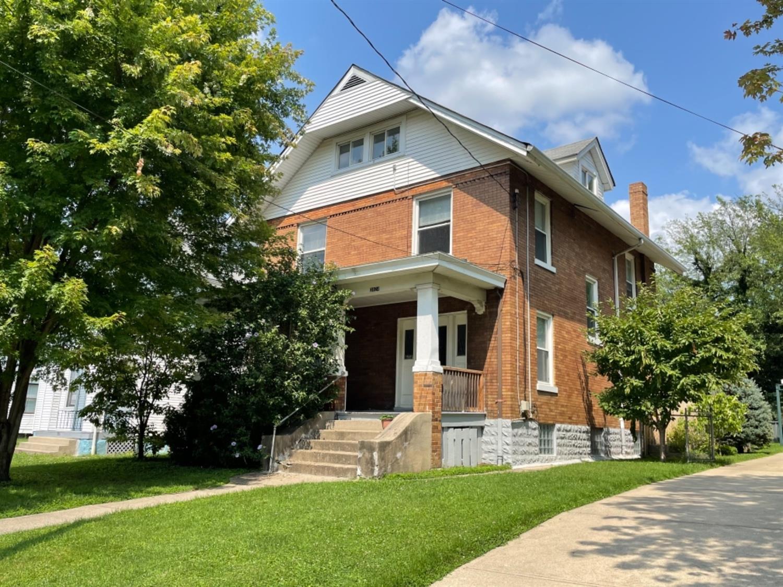 3924 Lindley Avenue