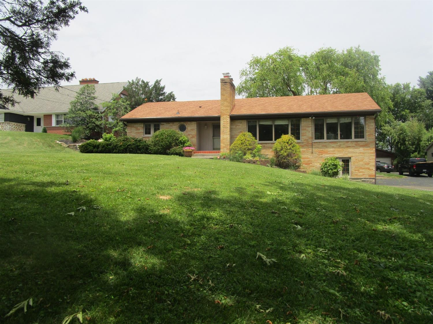 Photo 2 for 460 Deanview Drive Springfield Twp., OH 45224