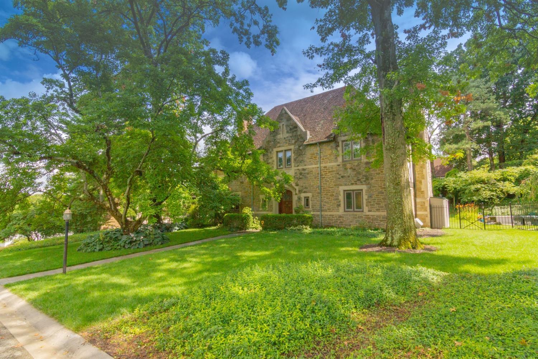 4 Cypress Garden Avenue Clifton, OH