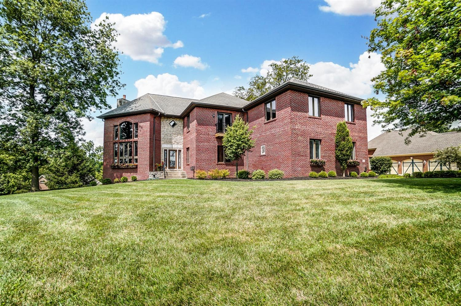 2 Abbey Hill North Bend, OH