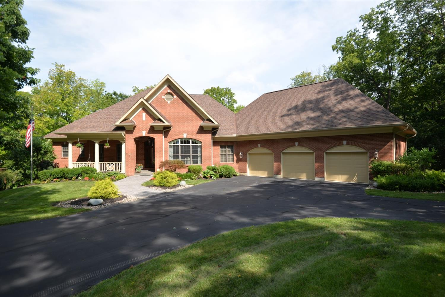 8576 Concord Hills Circle Kenwood, OH