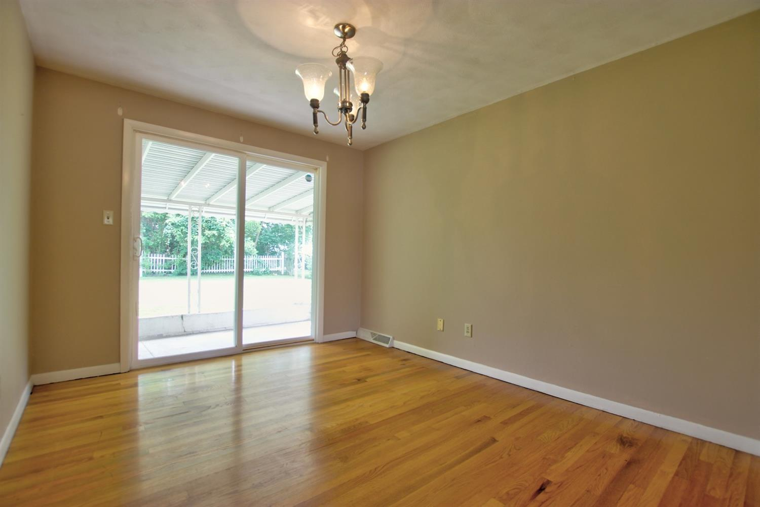 Photo 3 for 107 W Baldwin Street Blanchester, OH 45107