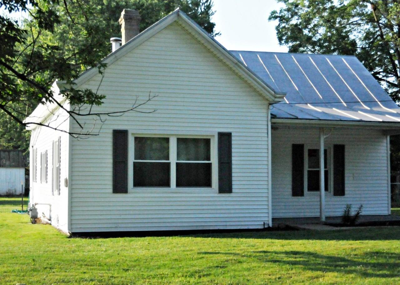 Photo 3 for 816 E Center Street Blanchester, OH 45107