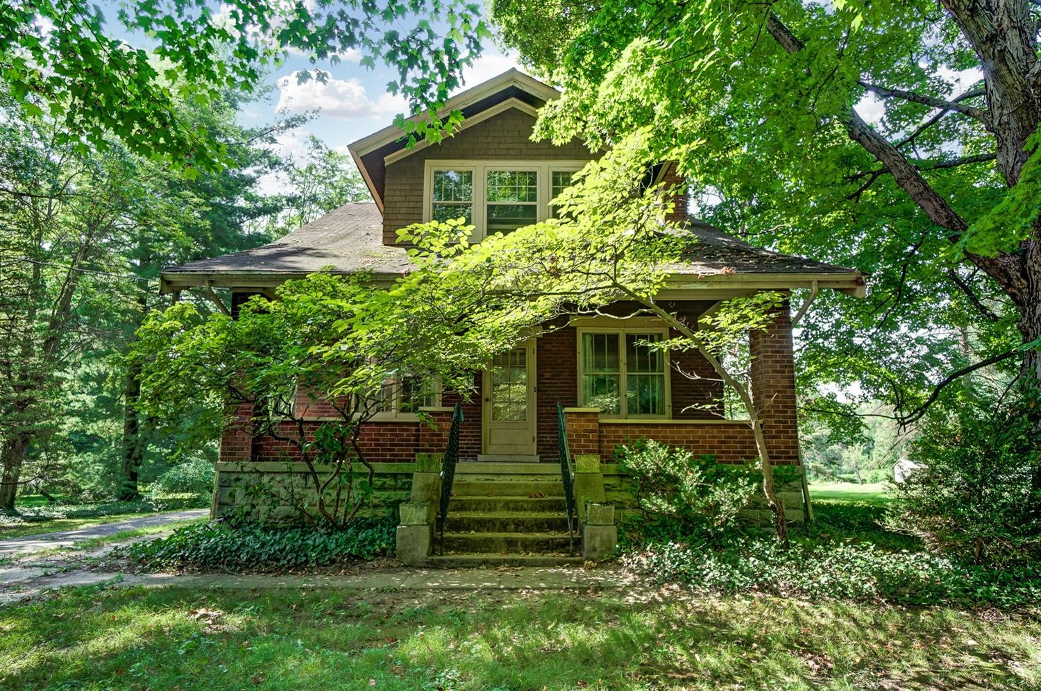 3915 Woodford Road Kennedy Hts., OH
