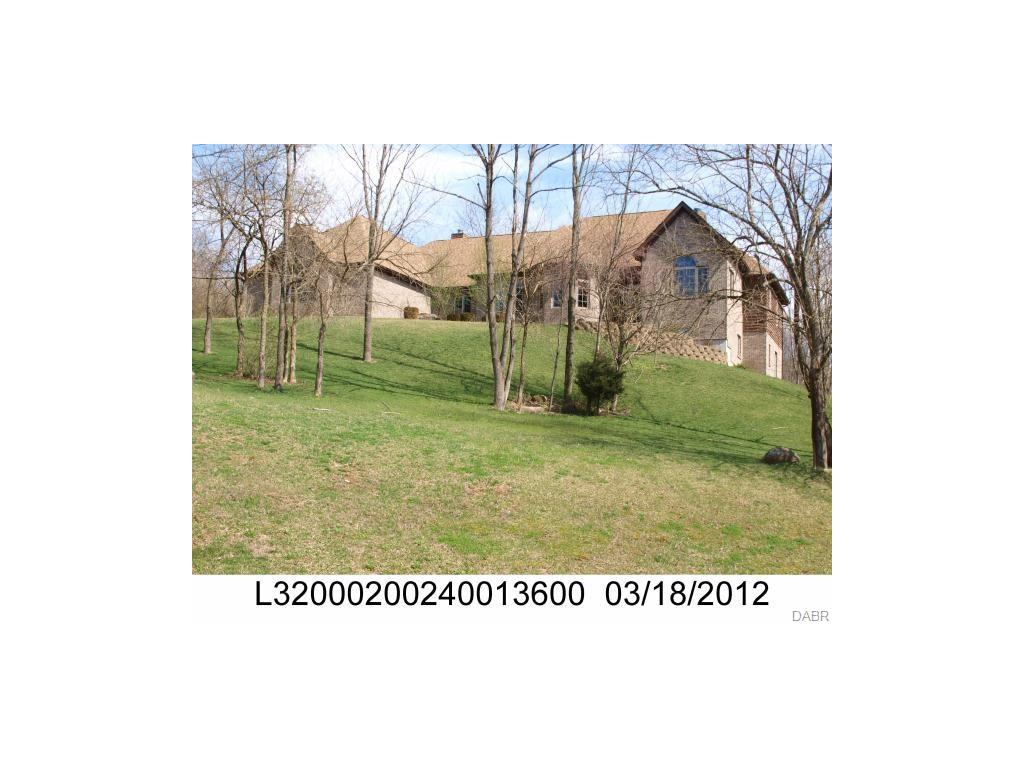 2959 River Edge Cir Sugarcreek Township, OH