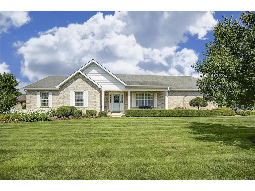 101 Sue Circle Ct, Englewood, OH 45322 Listing Details: MLS