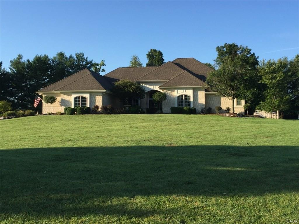 2811 River Edge Cir Sugarcreek Township, OH