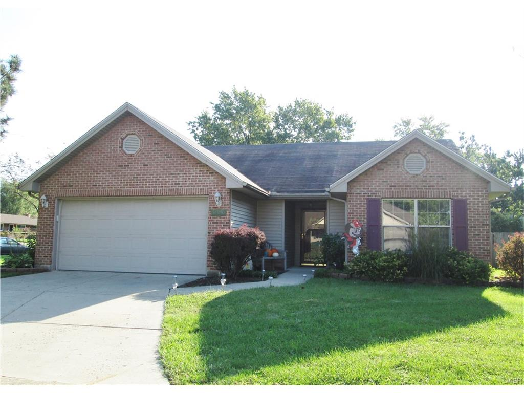 5990 Fox Trace Ct Huber Heights, OH