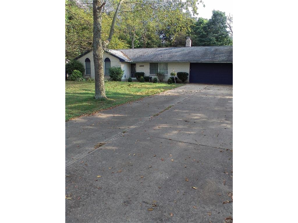 108 Woodside Dr Pitsburg, OH