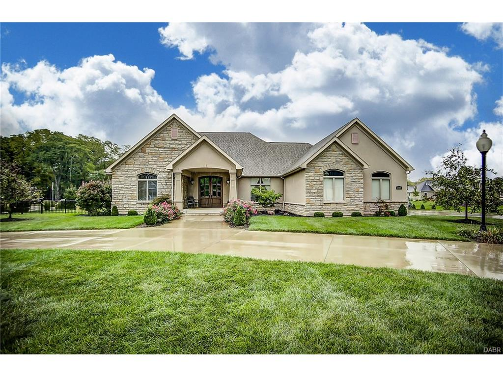 1317 Windy Hill Ct Troy, OH