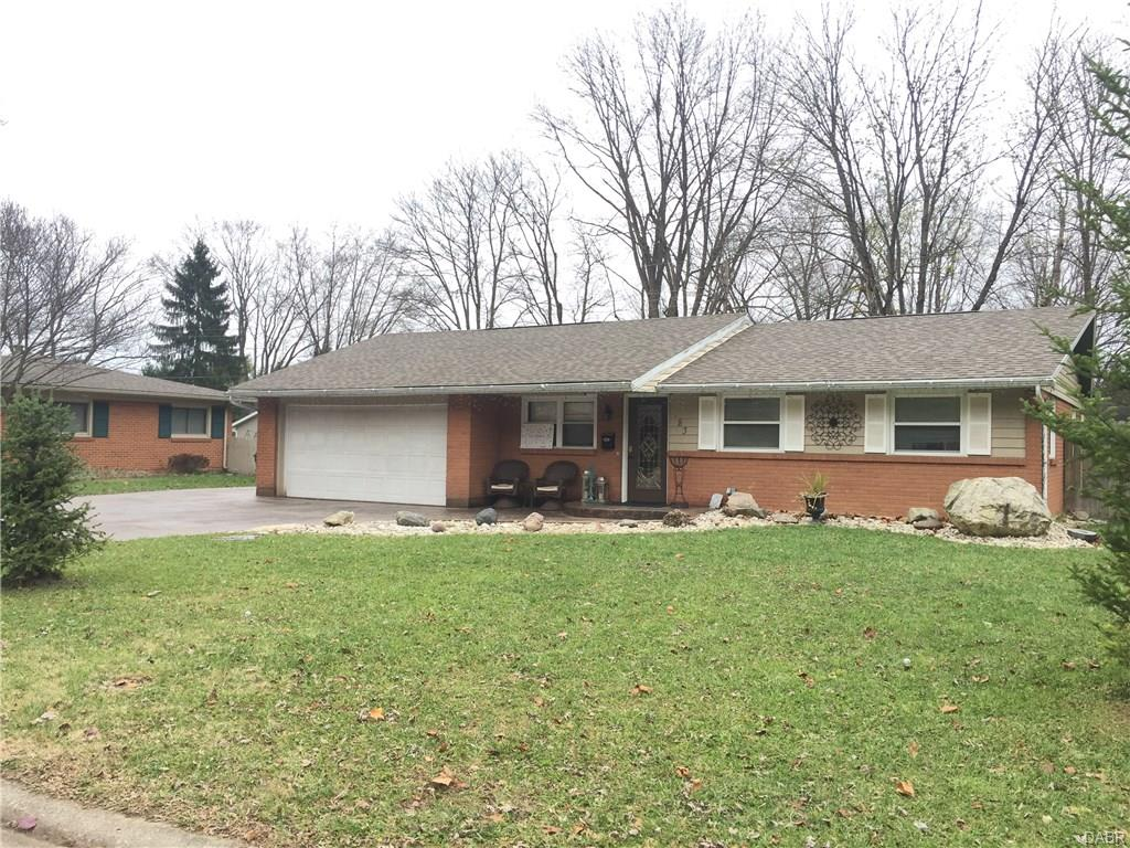 183 Belair Cir Bellbrook, OH
