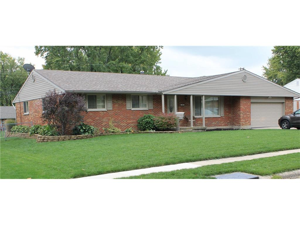 318 Grantham Dr Englewood, OH