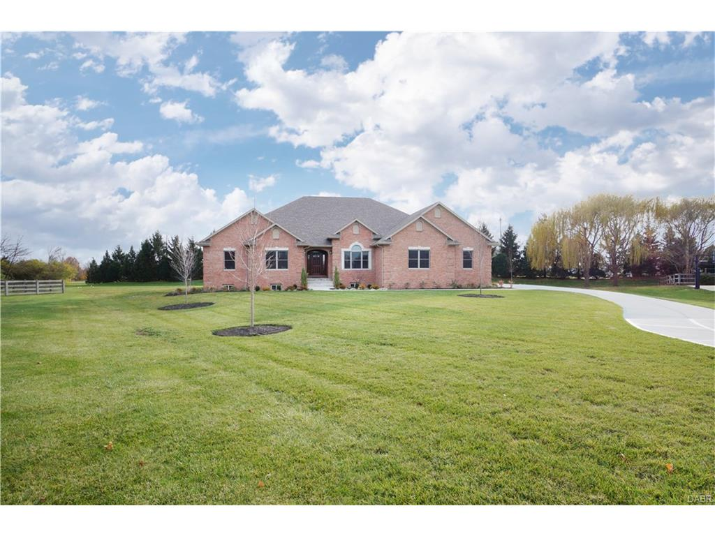 7450 Old Woods Ct Clearcreek Township, OH
