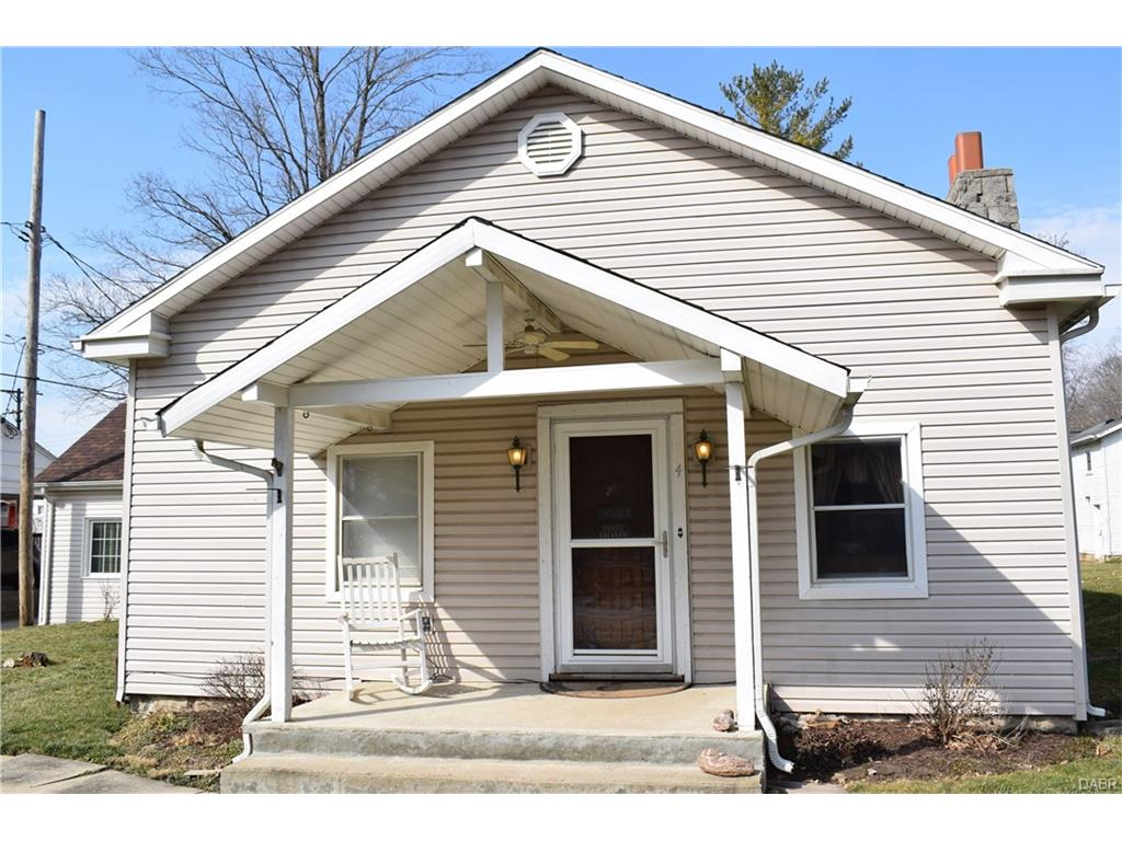 4 W Walnut St Spring Valley, OH