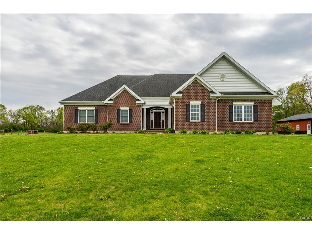 2451 Cook Rd Spring Valley, OH