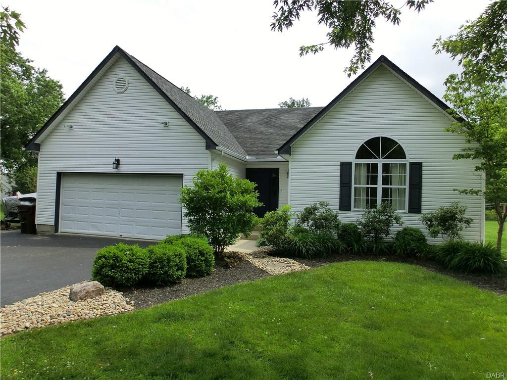 648 Odenwald Fayetteville, OH