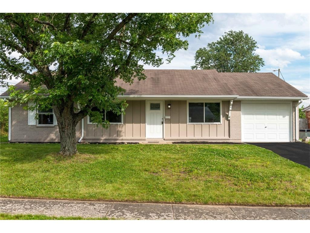 4260 Green Meadows Dr Enon, OH