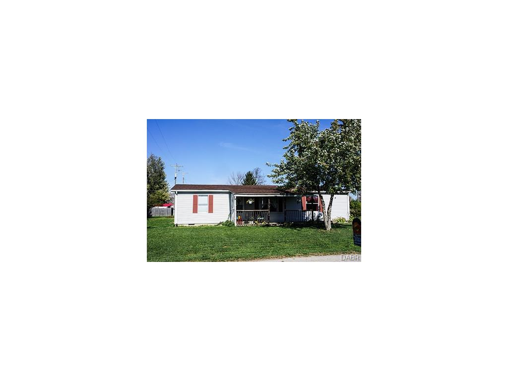 211 E Maple St West Manchester, OH