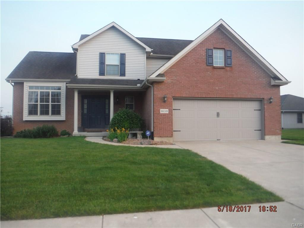 1658 Curry Branch Dr Tipp City, OH