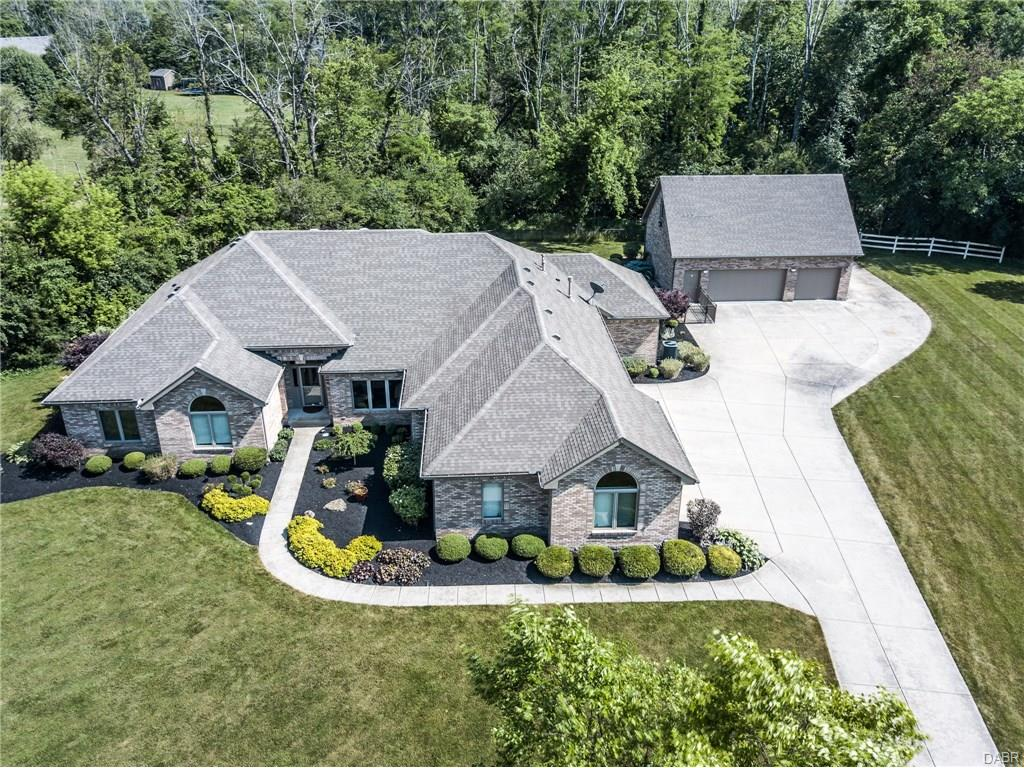 1361 Meadow Woods Ct Waynesville, OH