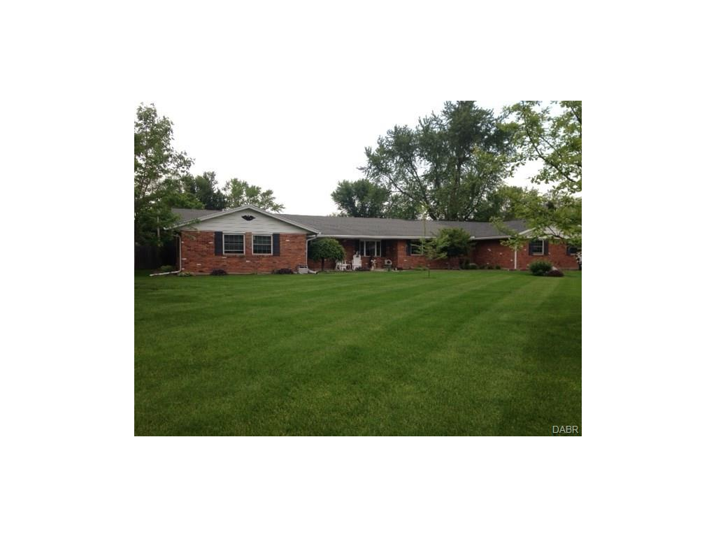 1565 Scottsdale Dr Tipp City, OH