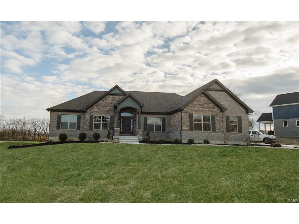 8426 Wandering Brook Way Clearcreek Township, OH