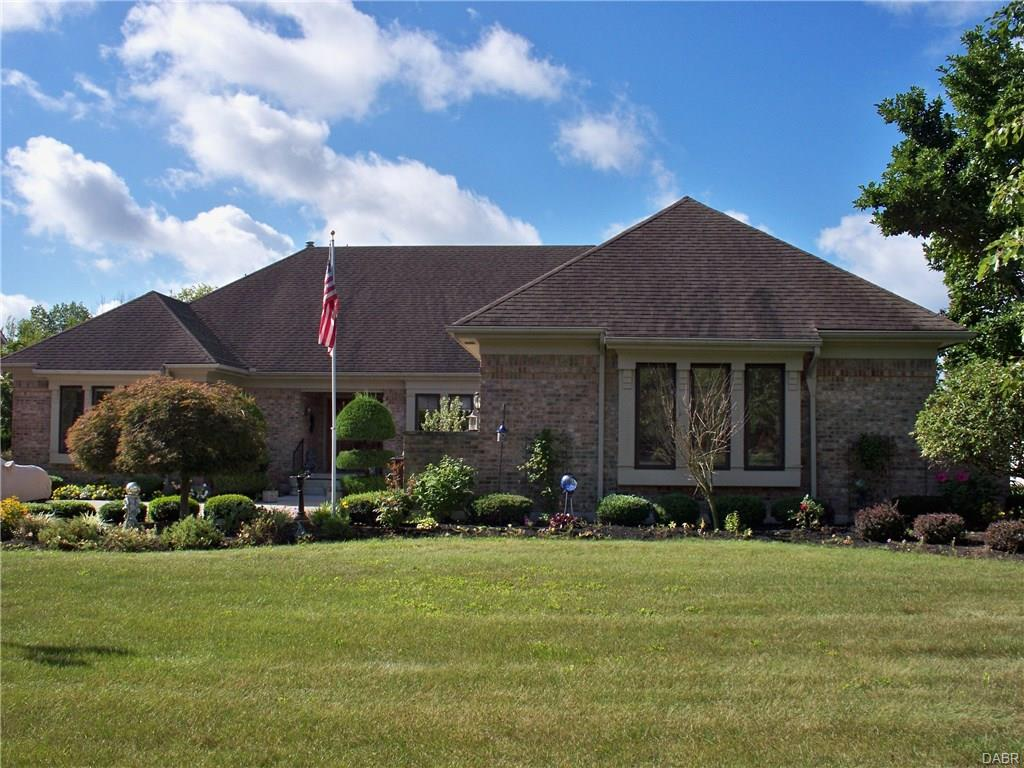 2144 Canterbury Ct Troy, OH