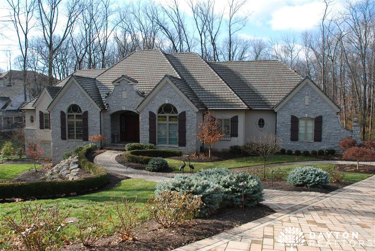 5009 Rolling Woods Trl Kettering, OH