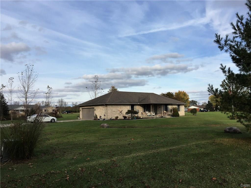 689 Wolf Rd West Alexandria, OH