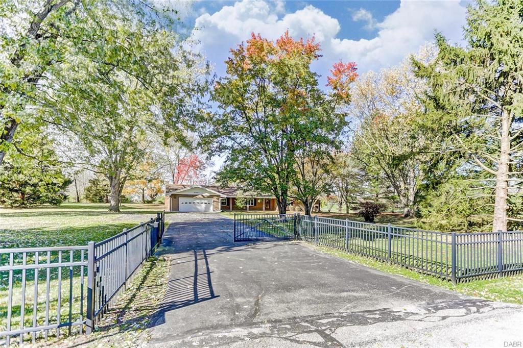 3041 Clear Springs Rd Spring Valley Vlg, OH
