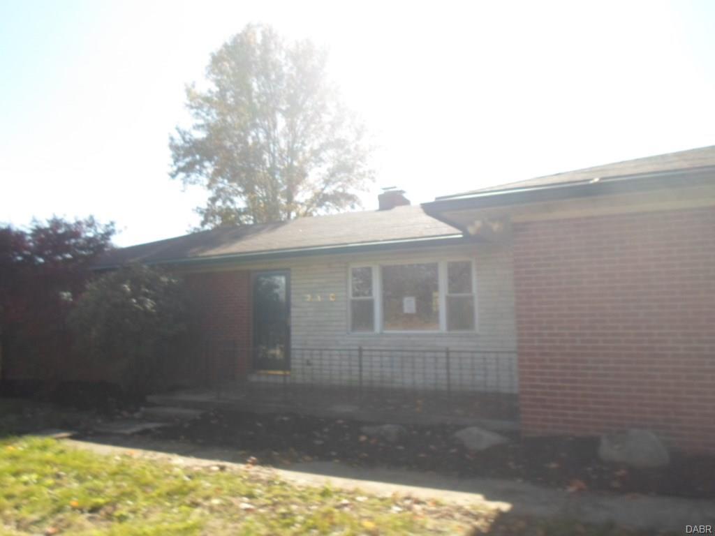 210 W Dayton St