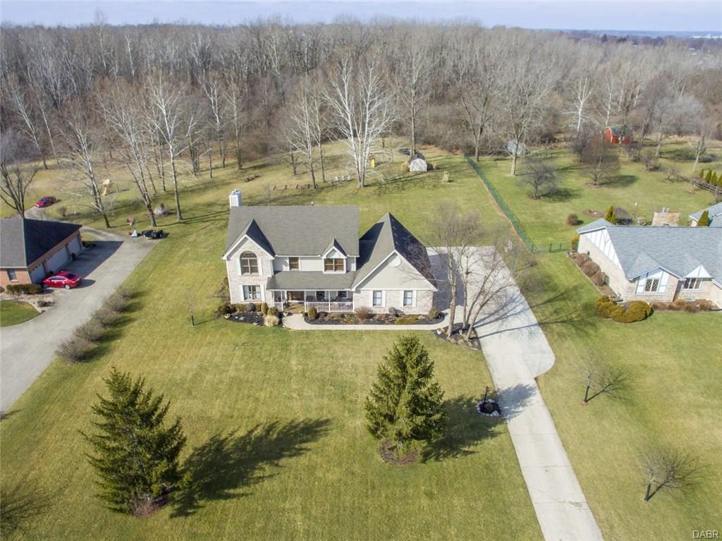 1371 Meadowlands Dr Fairborn, OH
