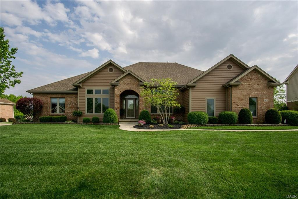 2670 Meadowpoint Dr Troy, OH