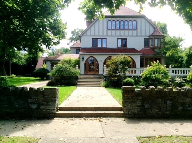 202 E Schantz Ave Oakwood, OH