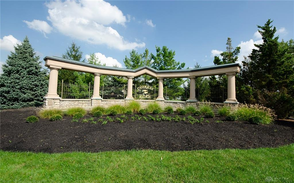 8558 Wandering Brook Way Clearcreek Township, OH