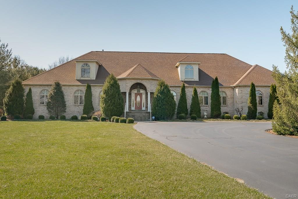 1054 W Spring Valley Rd Centerville, OH