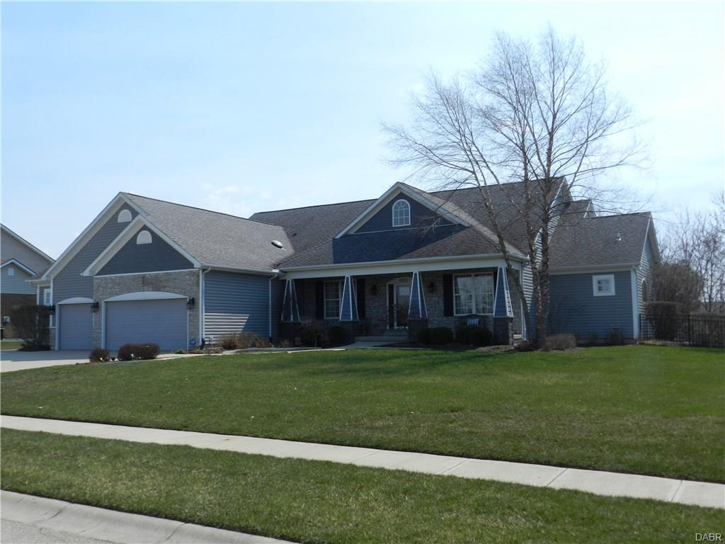 6828 Tavenshire Dr Huber Heights, OH