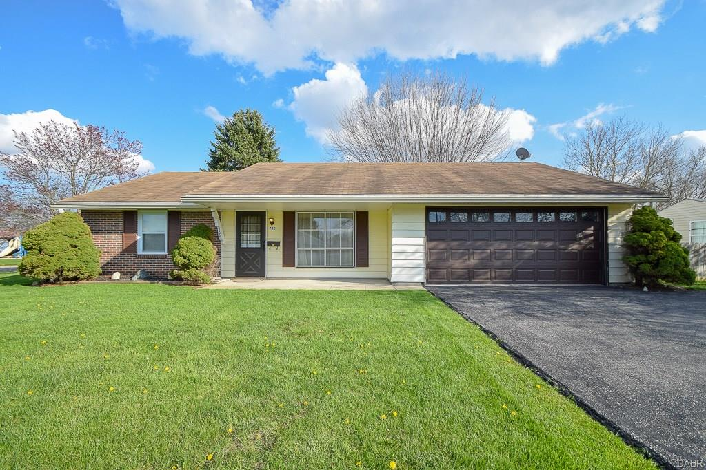 702 Willowick Dr New Carlisle, OH