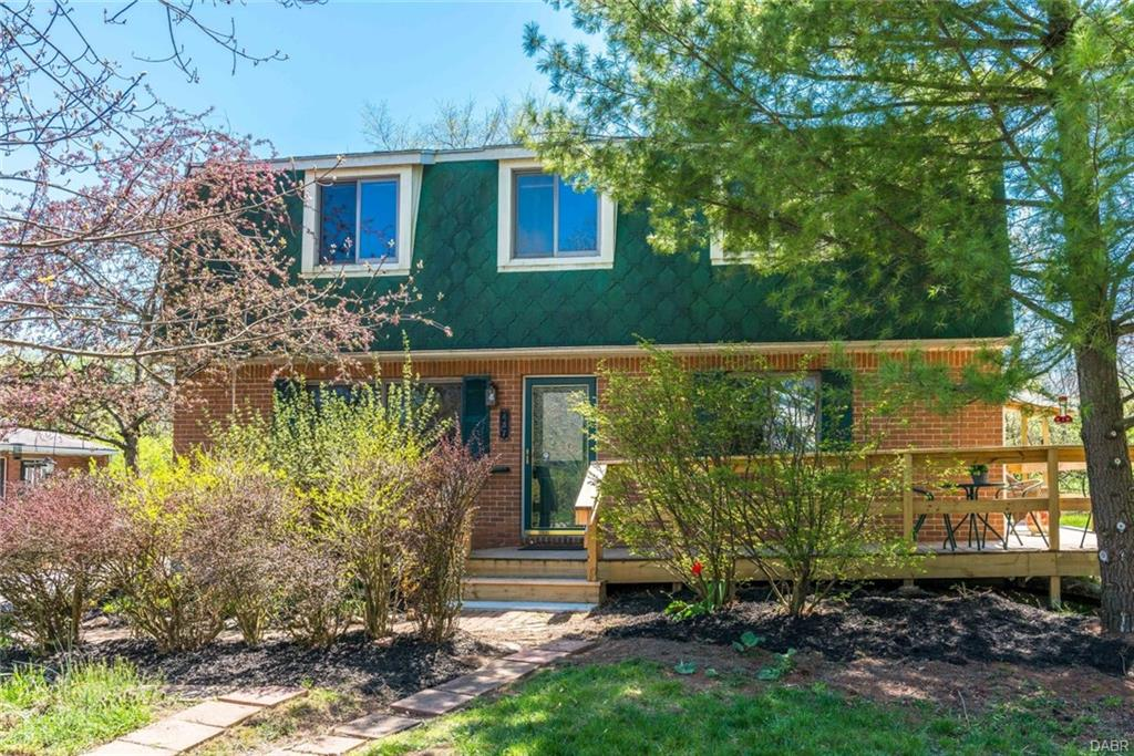 437 Suncrest Dr Yellow Springs, OH