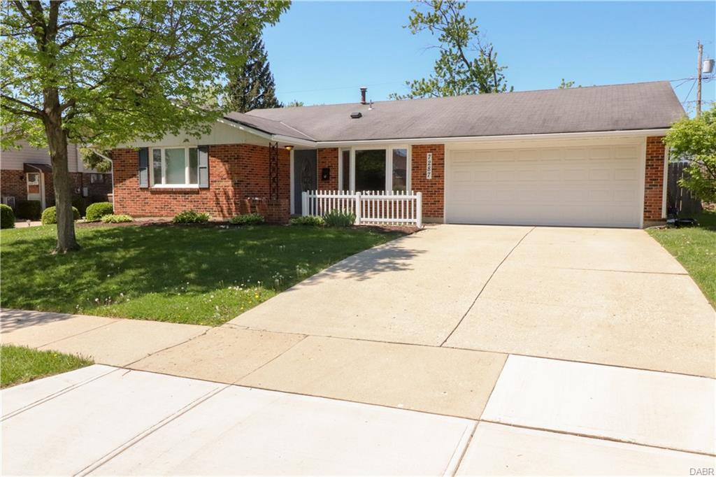 7287 Claircrest Dr Huber Heights, OH