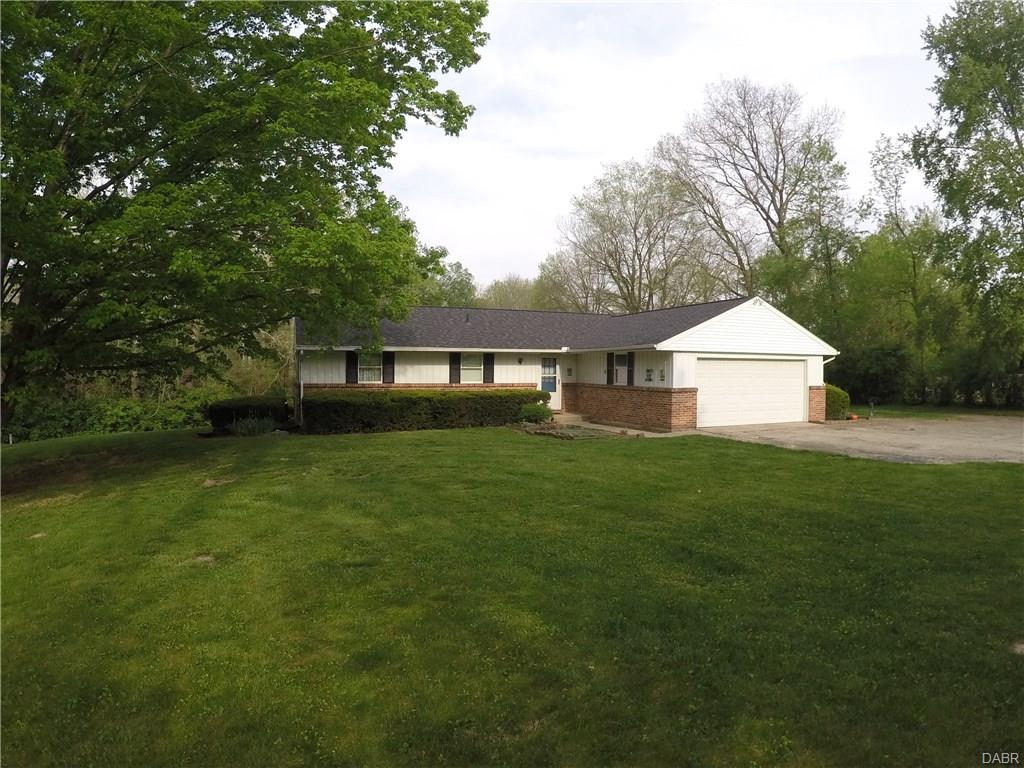 1068 Wolf Rd West Alexandria, OH