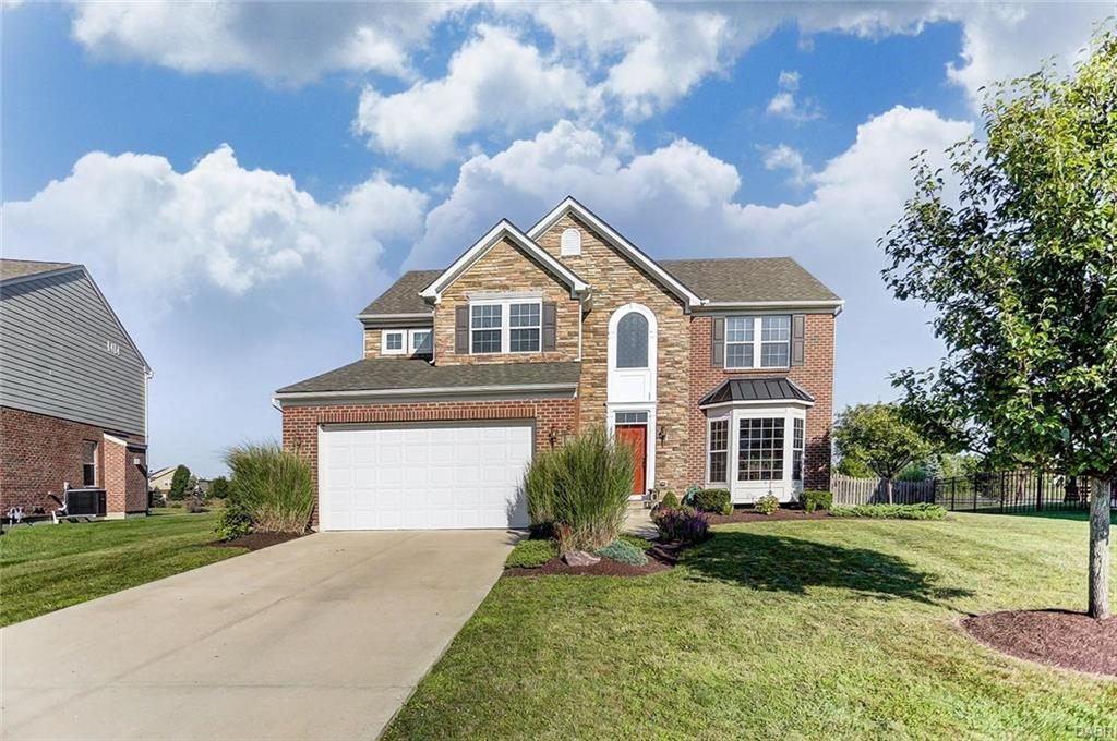 9407 Oak Brook Dr Clearcreek Township, OH